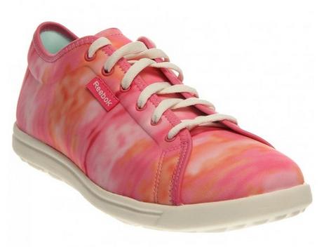 Reebok Women's Skyscape Runaround Walking Shoe electro pink