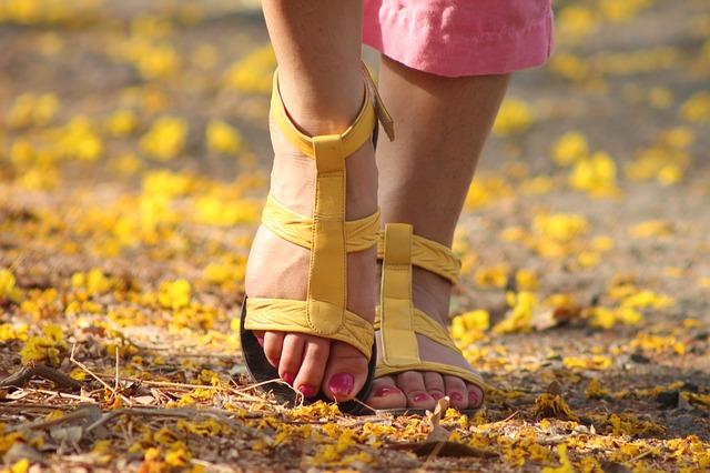 length of a women's stride