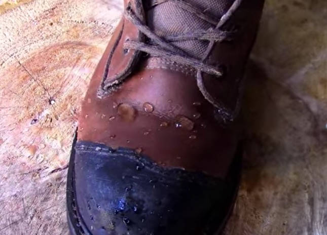 homemade-waterproofing-for-boots