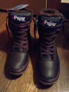 pajar pair dark on table