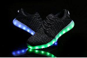 Qiucdzi Kids Light Up Shoes